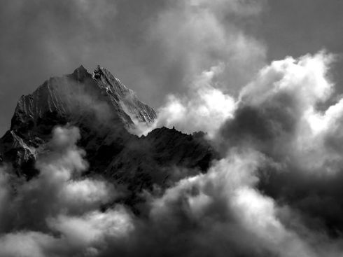 clouds-everest-chudalla_3682_990x742